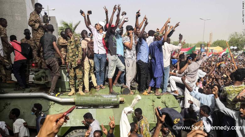 Sudan Uprising: Military Takes Over But Protesters Defy Curfew Order So As To 'Safeguard Revolution